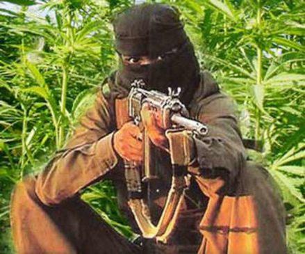 चाईबासा में नक्सलियों के हमले में एक जवान शहीद, सर्च ऑपरेशन जारी, गिरिडीह में पकड़ाया नक्सली