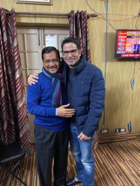 अरविंद केजरीवाल के साथ प्रशांत किशोर की तसवीर ने याद करा दी नीतीश के साथ पीके की वह तसवीर
