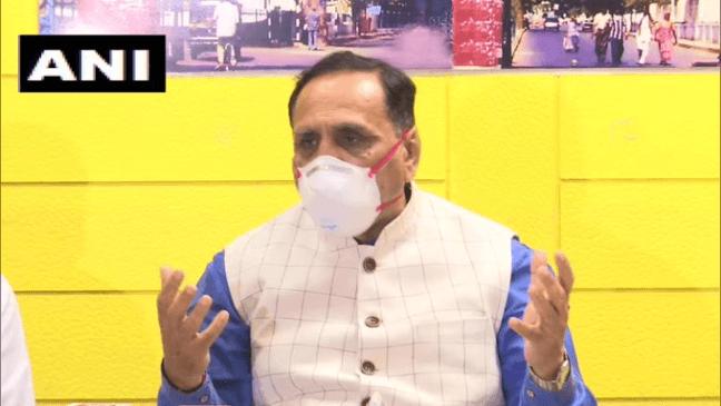 विजय रूपाणी ने गुजरात के मुख्यमंत्री पद से दिया इस्तीफा, भाजपा के गढ में मोदी के बाद अबतक दो सीएम हटे