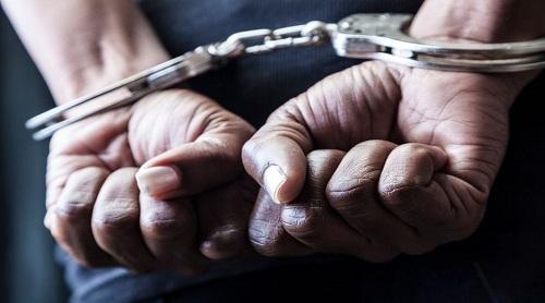 ब्राउन शुगर के 37 पुड़िया के साथ तीन लोगों गिरफ्तार