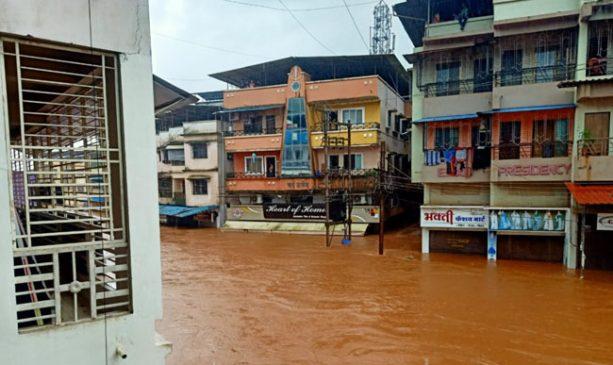 महाराष्ट्र के कई जिलों में आफत की बारिश, अबतक 44 लोगों की मौत, कई लापता