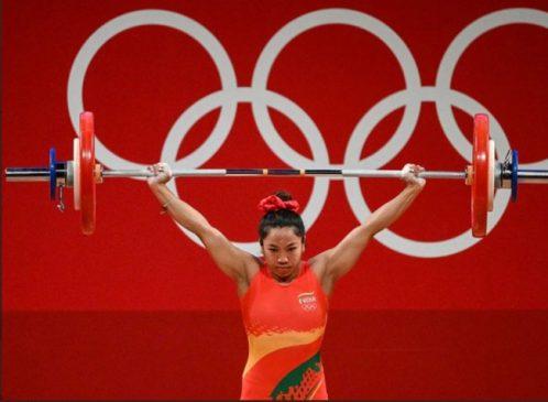 Olympic : मीराबाई चानू ने ओलिंपिक में जीता देश के लिए पहला मेडल