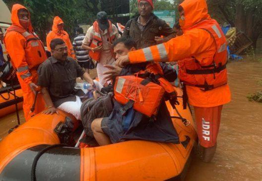 महाराष्ट्र में बारिश और बाढ से कम से कम 136 की मौत, बढ सकते हैं आंकड़ें, जानें अपडेट