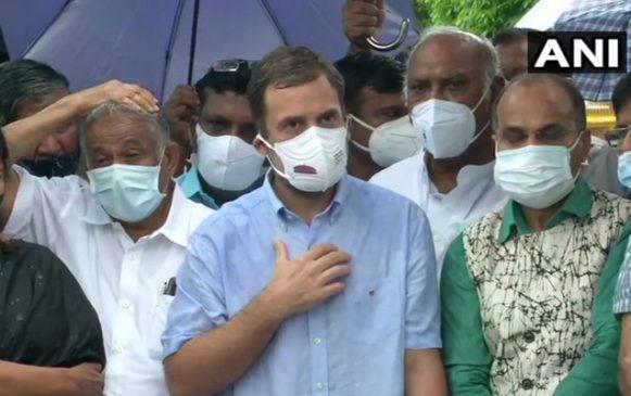 पेगासस जासूसी मामले पर संसद में जोरदार हंगामा, राहुल गांधी के मोदी से तीखे सवाल