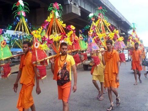 कांवड़ यात्रा की आड़ में सियासी रोटियां सेंकते योगी