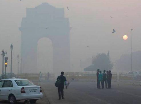 दक्षिण एशिया में लोग वायु प्रदूषण के उच्च स्तरों से जूझ रहे हैं, यहां साफ़ हवा अब एक लग्ज़री