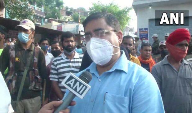 जम्मू कश्मीर के राजौरी में भाजपा नेता के घर पर आतंकियों ने किया ग्रेनेड से हमला, चार साल के भतीजे की मौत