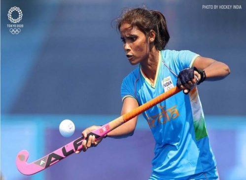 ओलिंपिक में हार के बाद भारतीय हॉकी खिलाड़ी वंदना के परिवार को दे रहे हैं जातिवादी गालियां,  शिकायत दर्ज