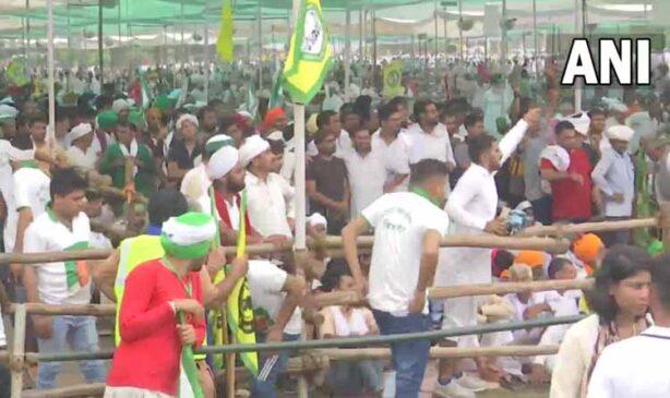 यूपी के मुजफ्फरनगर में आज किसानों की महापंचायत, तीन कृषि कानूनों को वापस लेने की मांग