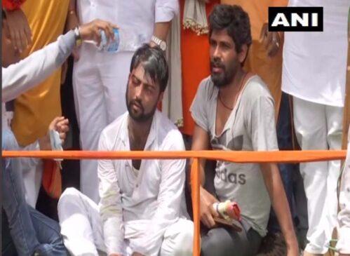 पश्चिम बंगाल : भवानीपुर में प्रचार के आखिरी दिन भिड़े भाजपा व तृणमूल कार्यकर्ता, दिलीप घोष से बदसलूकी